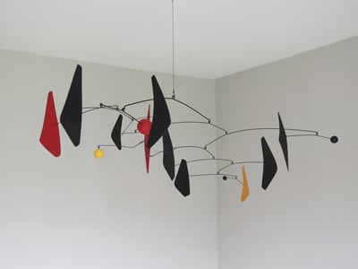 sculpture en mouvement suspension