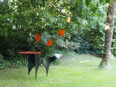 sculpture jardin calder