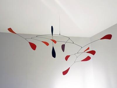 mobile en métal pour plafond