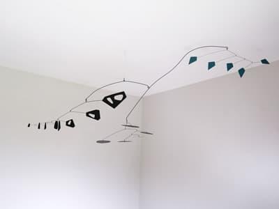 suculpture mobile dans l'esprit de calder, suspension décoratif