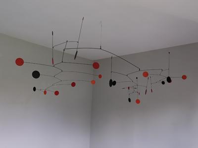 mobile art pour intérieur moderne dans l'esprit d'alexandre calder